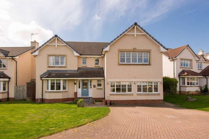 5 Bedrooms Detached House for sale in 2 John Muir Gardens, Dunbar, EH42 1GA