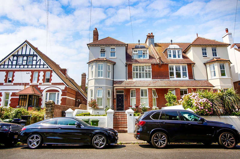 8 Bedrooms Semi Detached House for sale in St. Matthews Gardens, St. Leonards-On-Sea, TN38