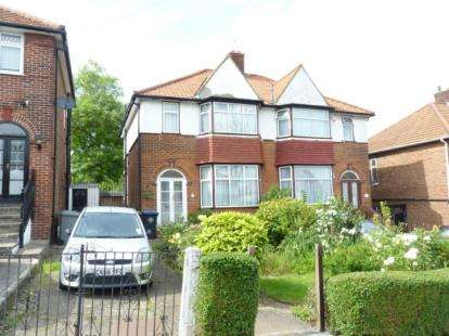 3 Bedrooms Semi Detached House for sale in Springfield Mount, Colindale, London, Uk