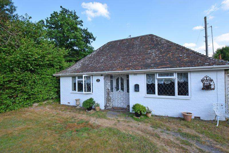 2 Bedrooms Chalet House for sale in Ringles Cross, Uckfield, TN22