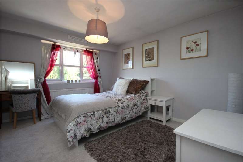 2 Bedrooms Semi Detached House for sale in The Sherrings Patchway Bristol BS34