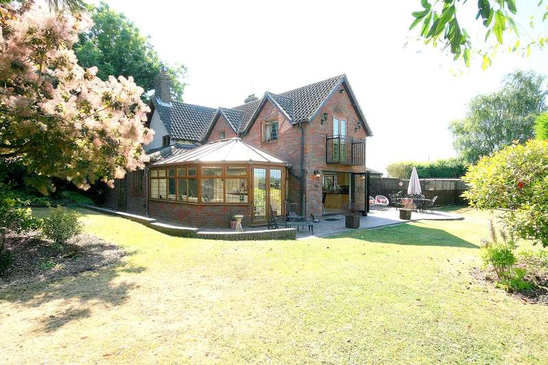 5 Bedrooms Detached House for sale in Sparrow Hall Cottages, Edlesborough, Bucks