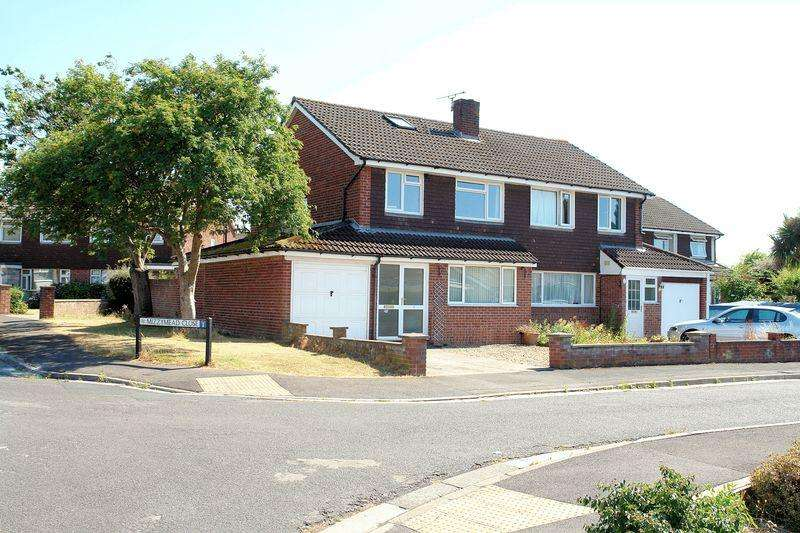 3 Bedrooms Semi Detached House for sale in Sought after cul de sac in Nailsea