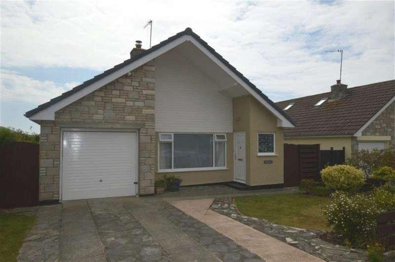 2 Bedrooms Detached Bungalow for sale in Heulwen, 18, Y Groesffordd, Bryncrug, Tywyn, Gwynedd, LL36