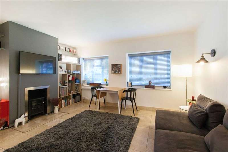 2 Bedrooms Block Of Apartments Flat for sale in Avenue Crescent, London