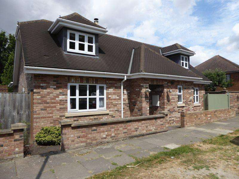 3 Bedrooms Detached House for sale in Halfmoon Lane, South Dunstable
