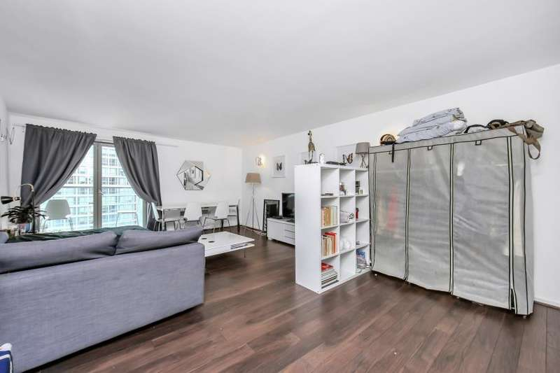 2 Bedrooms Flat for sale in Michigan Building, Biscayne Avenue, E14