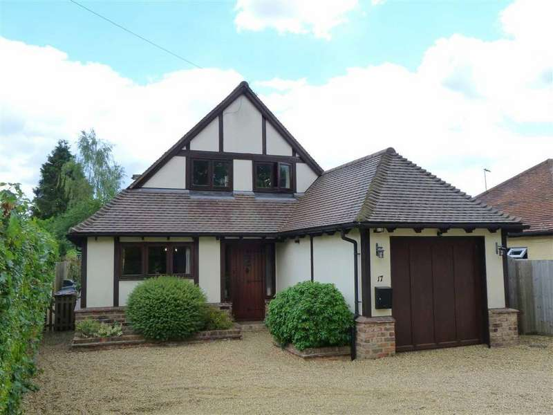 3 Bedrooms Detached House for sale in Burnham Green Road, Bulls Green, Knebworth