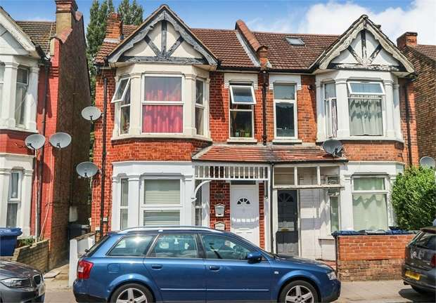 3 Bedrooms Flat for sale in Colindale Avenue, London
