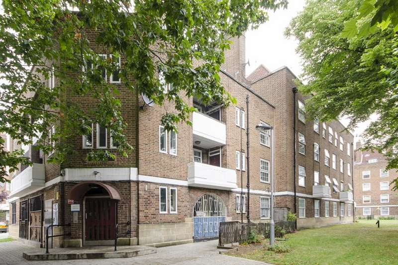 4 Bedrooms Flat for sale in Pentland House, Stamford Hill, London, N16