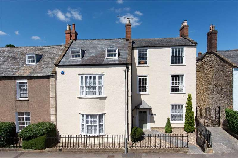 5 Bedrooms Town House for sale in Newland, Sherborne, DT9