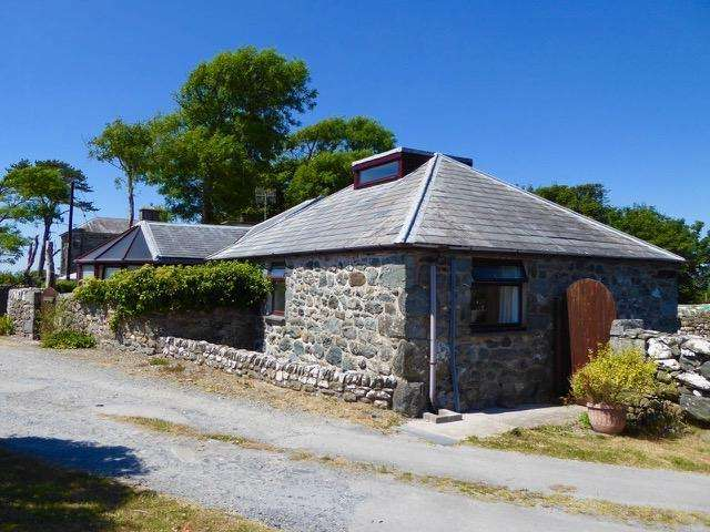 4 Bedrooms Bungalow for sale in Hen Ty Cerbyd, Dyffryn Ardudwy, LL44