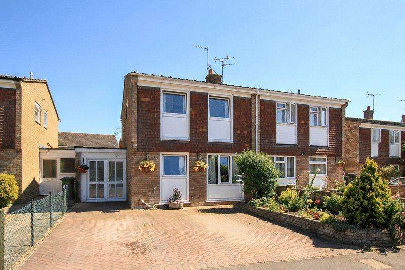 3 Bedrooms Semi Detached House for sale in Pitstone