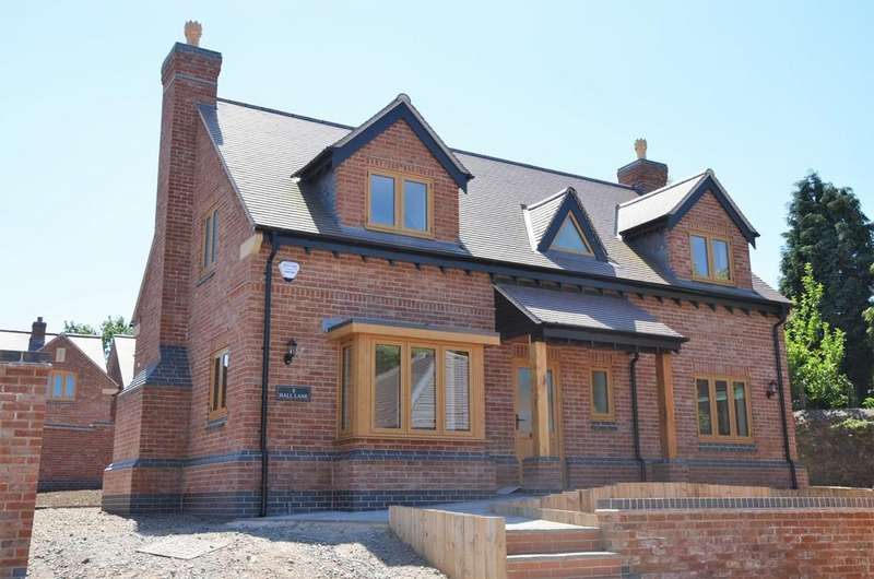 4 Bedrooms Detached House for sale in Hall Lane, Whitwick, LE67