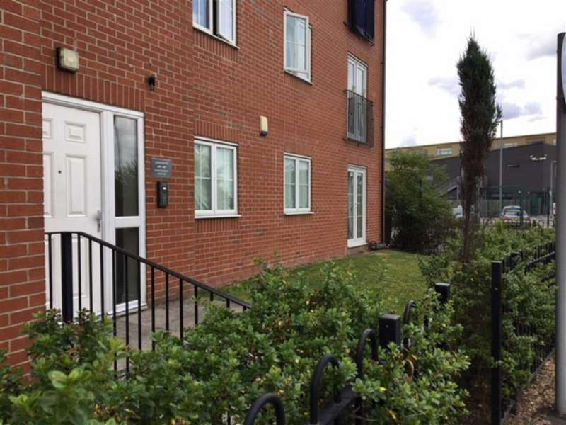 2 Bedrooms Apartment Flat for sale in Rawsthorne Avenue, Gorton, Manchester
