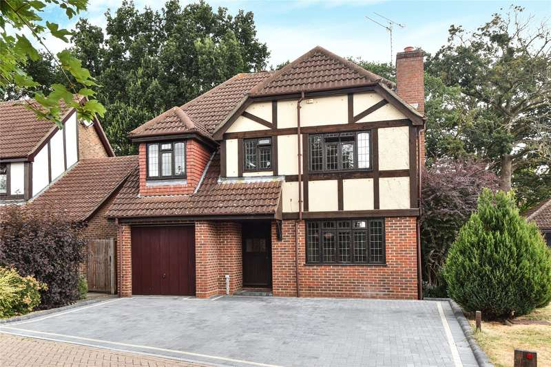 4 Bedrooms Detached House for sale in Bacon Close, College Town, Sandhurst, Berkshire, GU47