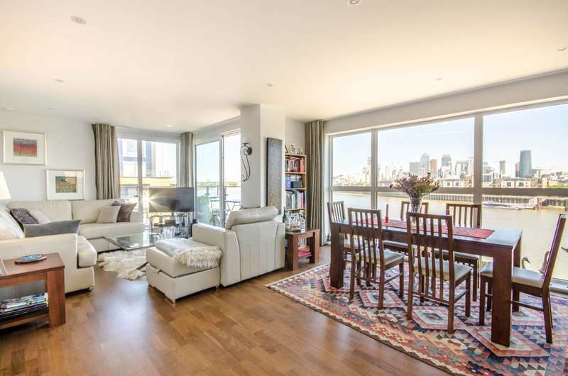 2 Bedrooms Flat for sale in Knights Tower, Wharf Street, Deptford, SE8
