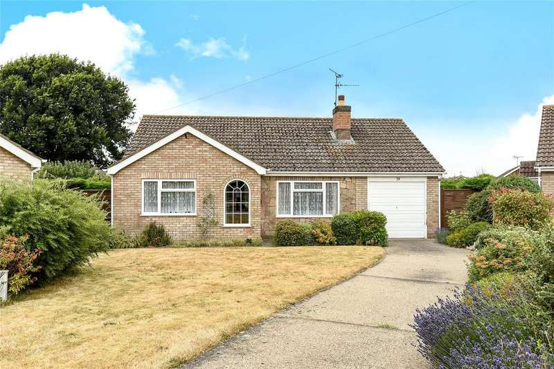 3 Bedrooms Detached Bungalow for sale in Hebden Moor Way, North Hykeham, LN6