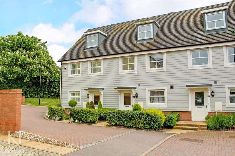 3 Bedrooms Town House for sale in Plaxton Way, Ware