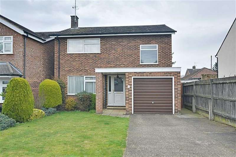 4 Bedrooms Detached House for sale in Lodge Close, Bengeo, Herts, SG14
