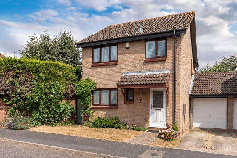 4 Bedrooms Detached House for sale in Greenwich Gardens, Newport Pagnell