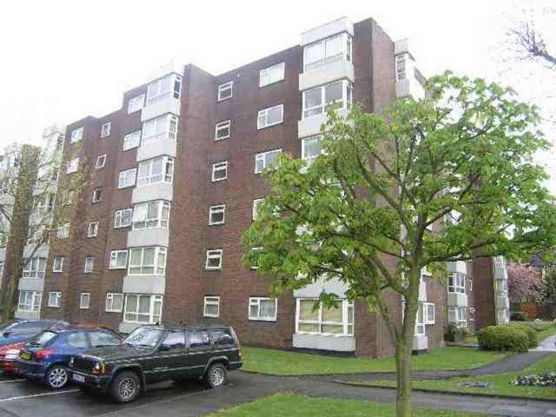 3 Bedrooms Flat for sale in Raffles House, Brampton Grove, NW4 4BU