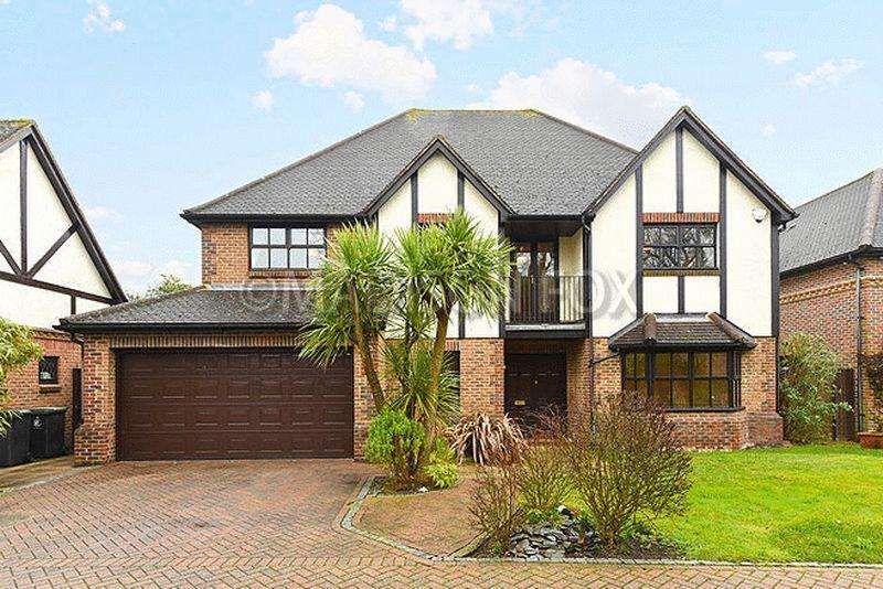 5 Bedrooms Detached House for sale in Gainsborough Place, Chigwell, IG7
