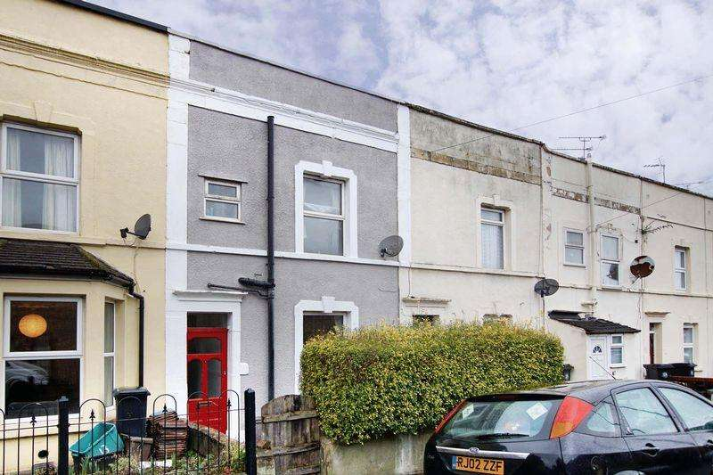 3 Bedrooms Terraced House for sale in Victoria Parade, Bristol, BS5 9DZ
