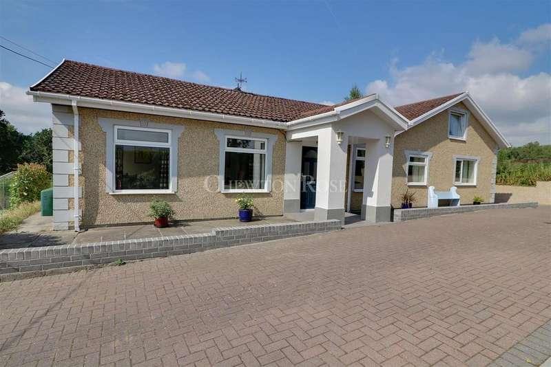 5 Bedrooms Detached House for sale in Crumlin, Newport