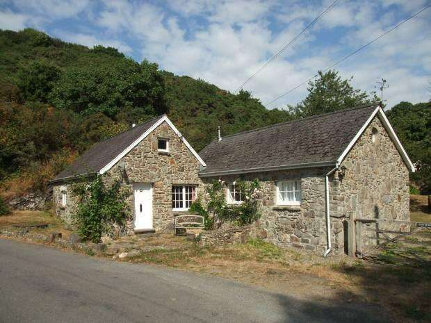 3 Bedrooms Cottage House for sale in Moylegrove, Pembrokeshire