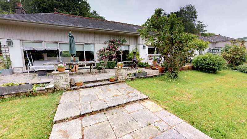 4 Bedrooms Detached House for sale in Saterley Grange Leckhampton HIll