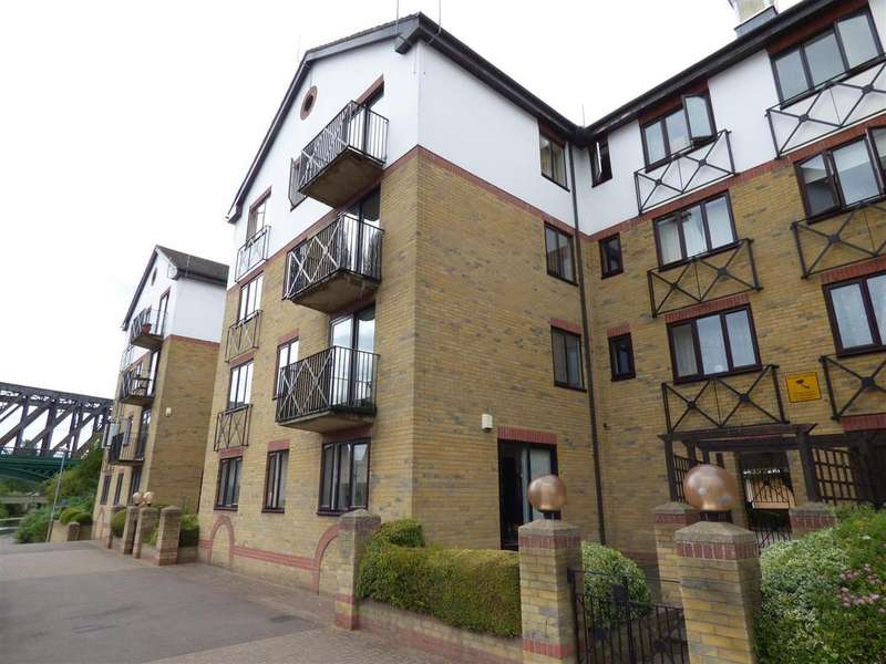 2 Bedrooms Apartment Flat for sale in Admiral House, Viersen Platz, Peterborough