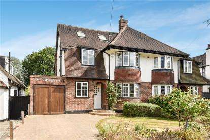 4 Bedrooms Semi Detached House for sale in Manor Way, Petts Wood, Orpington