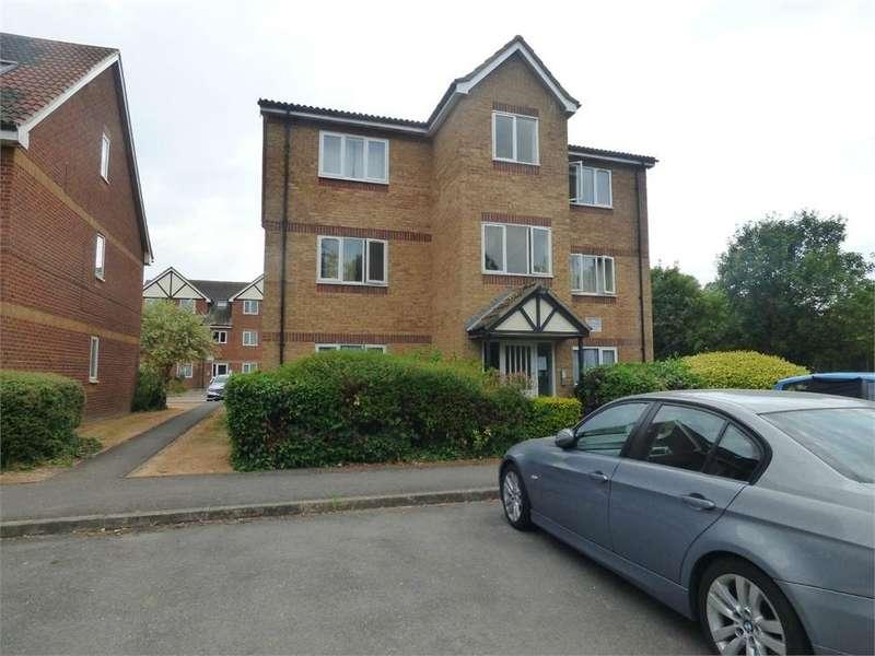 2 Bedrooms Flat for sale in Bridgewater Court, Common Road, Langley, Berkshire