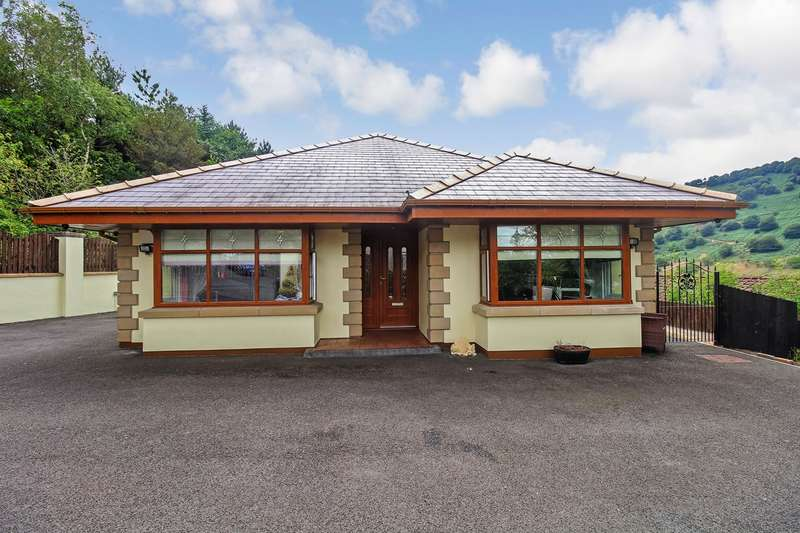 4 Bedrooms Bungalow for sale in Henwain Street, Blaina, Abertillery, NP13