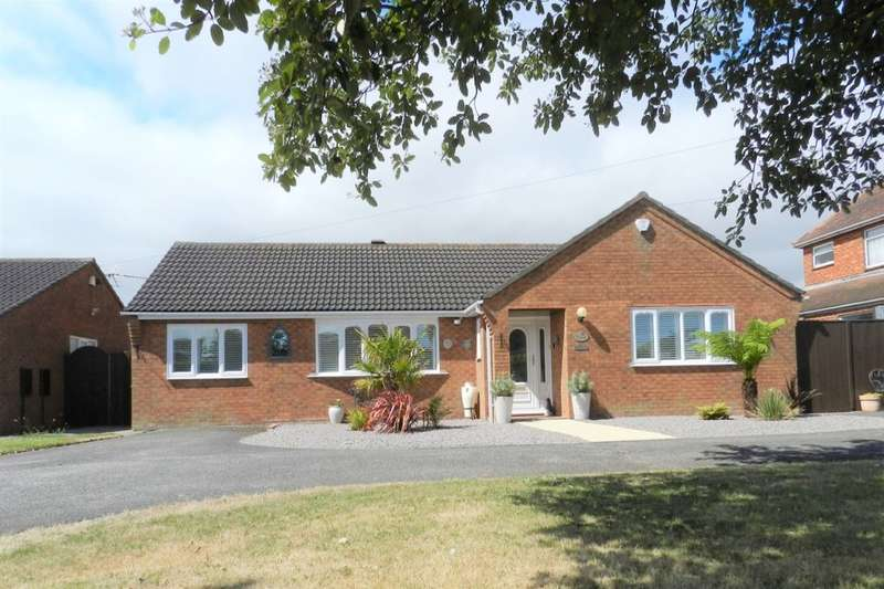 3 Bedrooms Detached Bungalow for sale in Huttoft Road, Sutton-On-Sea, Mablethorpe, LN12