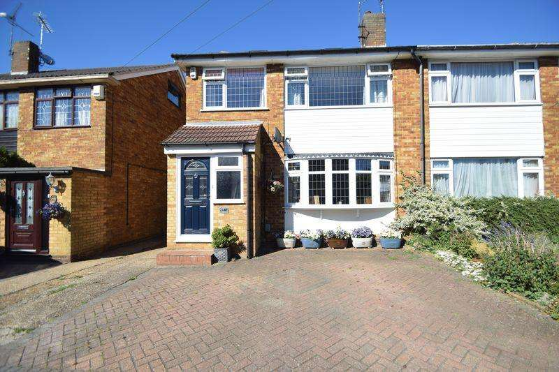 4 Bedrooms Semi Detached House for sale in Swifts Green Road