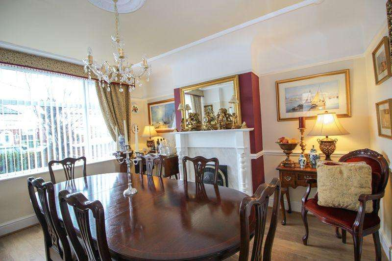 3 Bedrooms Semi Detached House for sale in Southport Road, Bootle