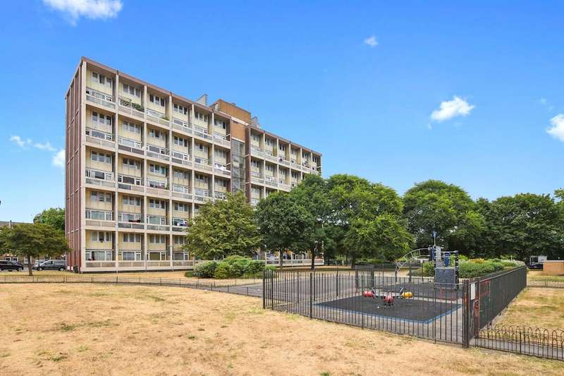 2 Bedrooms Flat for sale in Westhope House Derbyshire Street Bethnal Green