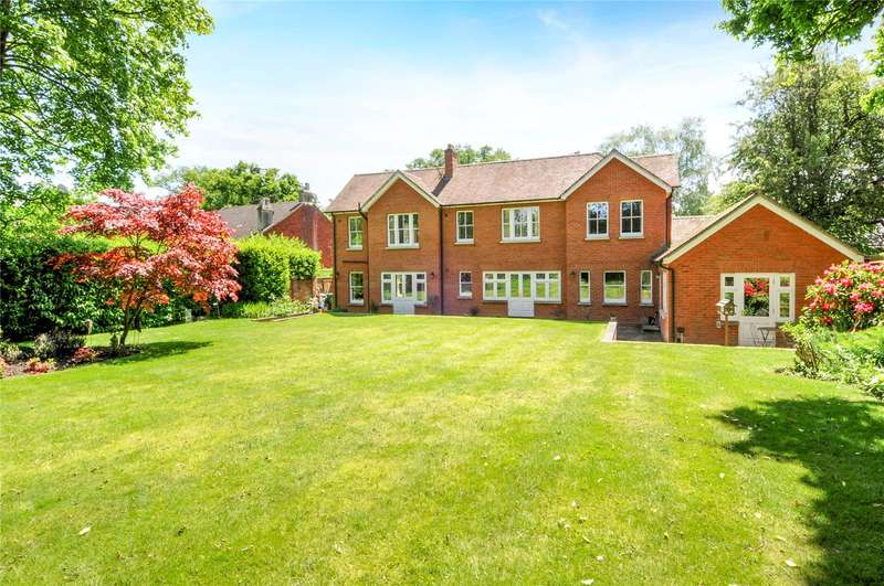6 Bedrooms Detached House for sale in Chertsey Road, Windlesham, Surrey, GU20
