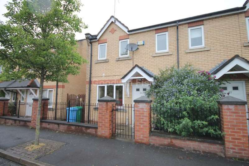 3 Bedrooms Semi Detached House for sale in Yew Street, Hulme