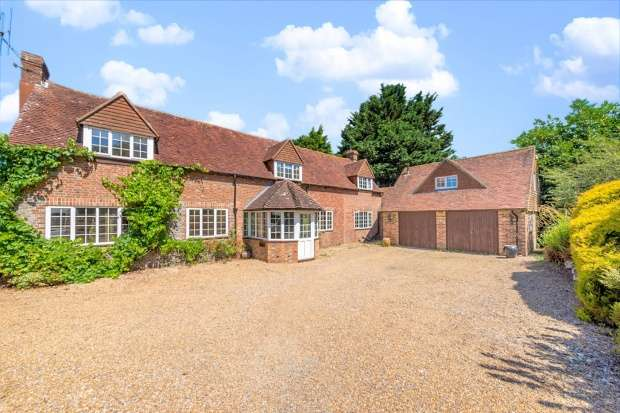 5 Bedrooms Detached House for sale in Boreham Street, Hailsham, East Sussex, BN27 4SF