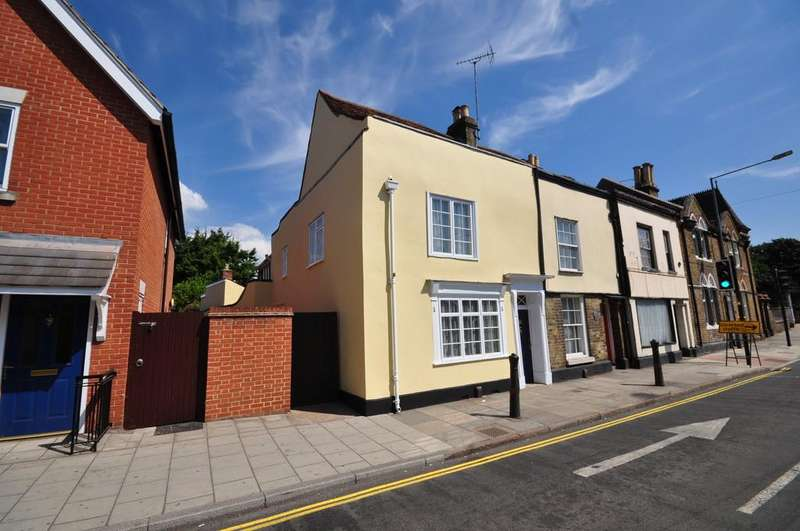 3 Bedrooms Cottage House for sale in East Hill, Colchester, CO1 2QZ