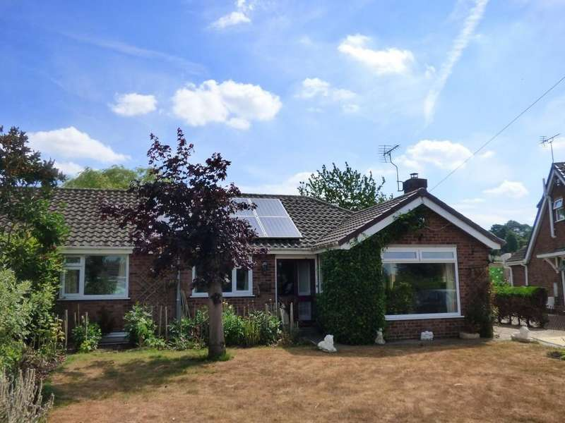 3 Bedrooms Semi Detached Bungalow for sale in Ayscough Grove, Caistor