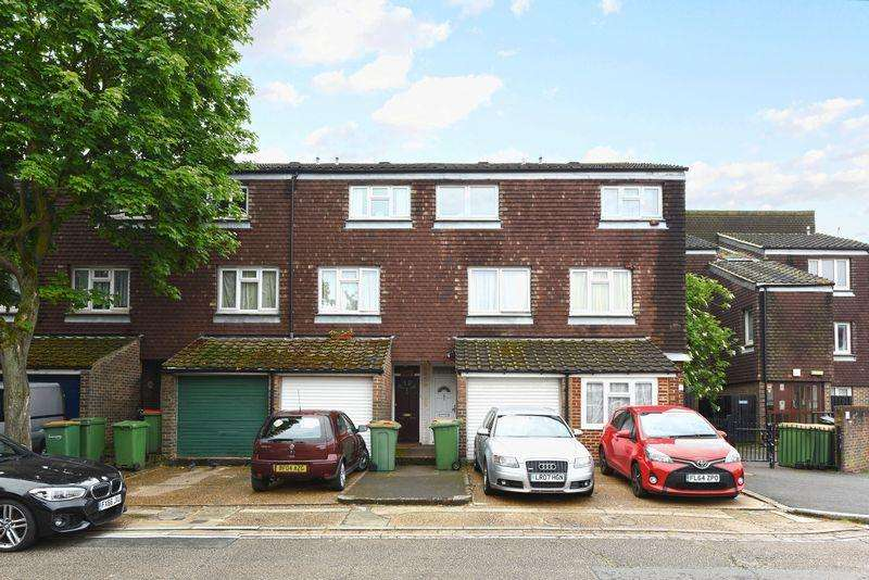 3 Bedrooms House for sale in Lawson Close, London, E16