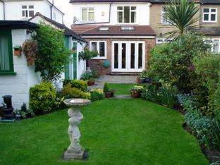 3 Bedrooms Semi Detached House for sale in Craignish Avenue , Norbury SW16