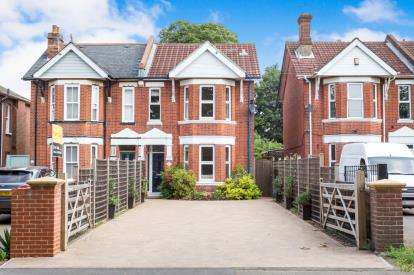 4 Bedrooms Semi Detached House for sale in Woolston, Southampton, Hampshire