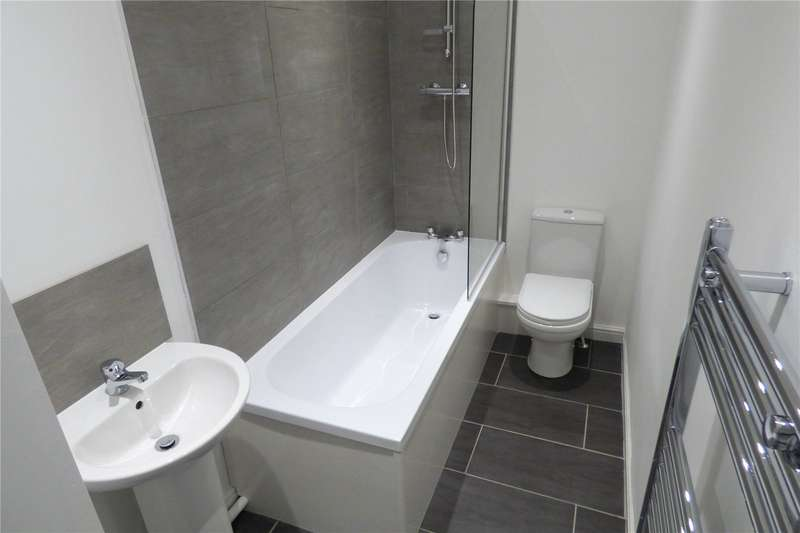 2 Bedrooms Terraced House for sale in Mountain Street, Mossley, Ashton-under-Lyne, Greater Manchester, OL5