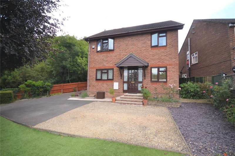 4 Bedrooms Detached House for sale in Norcot Road, Tilehurst, Reading, Berkshire, RG30