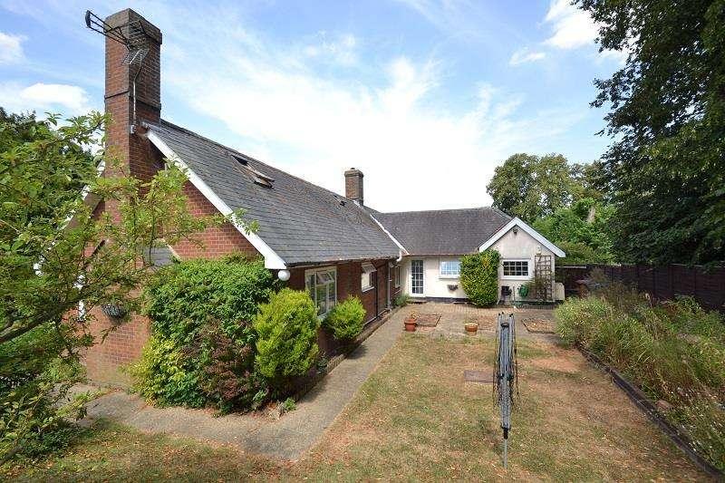 3 Bedrooms Semi Detached Bungalow for sale in Five Farthings, Green Tye